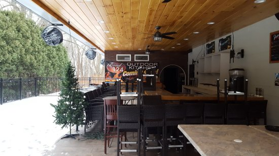 Somers, CT: Patio Closed for Winter