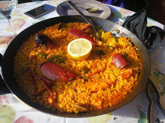 Pechon, Ισπανία: Esquisited de arroz en este restaurante a buen precio y muy buena calidad con un servicio inmejo