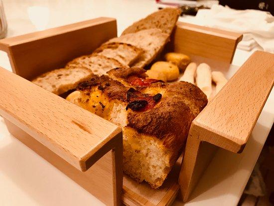 Il nostro pane fatto in casa basilico rosso castelmassa for Basilico in casa