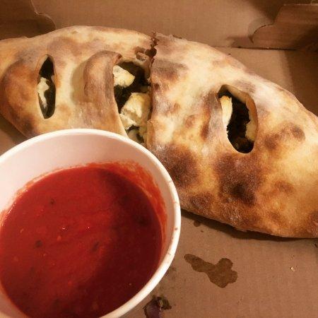 Blackbird Pizzeria: Calzone