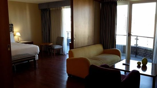NH Panorama: Excellent suite at 14th floor