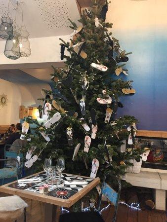 Arbre De Noel Original Un arbre de noël original dans ce repaire convivial   Photo de