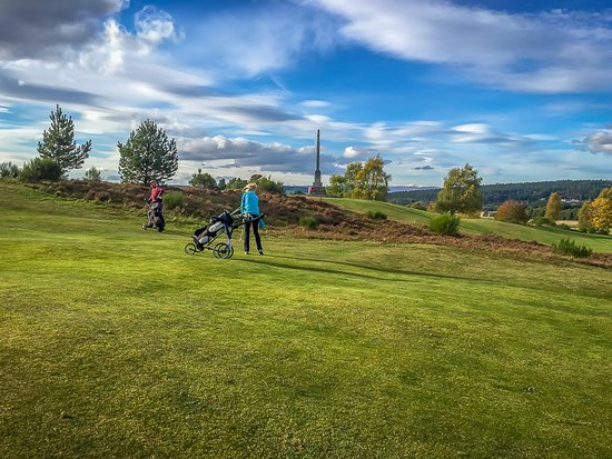 Abernethy Golf Club: The views can be almost distracting.