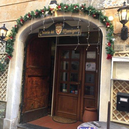 """Osteria del Monsignore: """" Entrata natalizia """""""