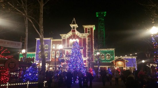 Silver Dollar City: Christmas lights are amazing!