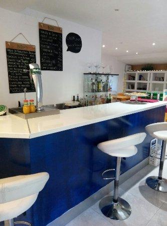 Tan Ricamente Cafe Bar