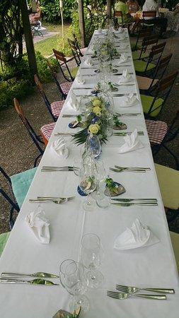 Faoug, Szwajcaria: Notre jolie terrasse sous les vinges