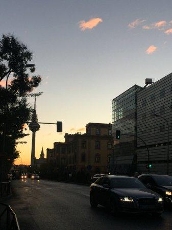 Barrio de Salamanca : Gregario Marañon al inicio del día