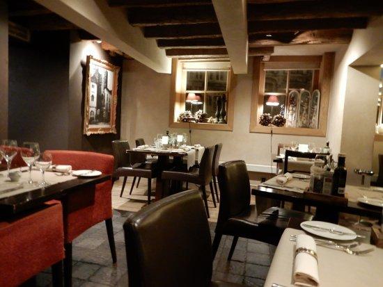 Gezellig interieur - Picture of Restaurant De Graslei, Ghent ...