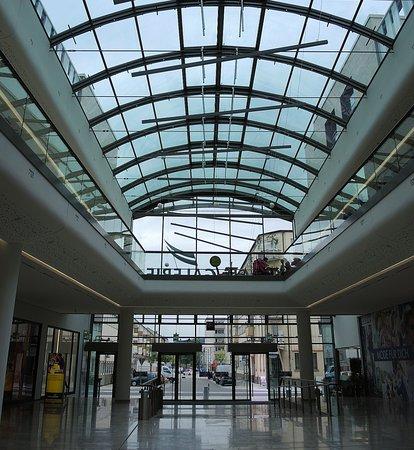 Rewe Glacis Galerie