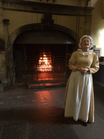 Highlander Tours : Callendar House kitchen tour