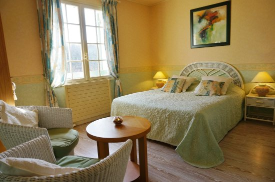 Saint-Cyprien, Prancis: Chambre la Tour Tower room Bnb Dordogne Périgord Les Feuillantines