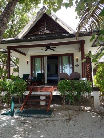 Hilton Seychelles Labriz Resort & Spa: Nosso lindo chalé de frente para a maravilhosa praia
