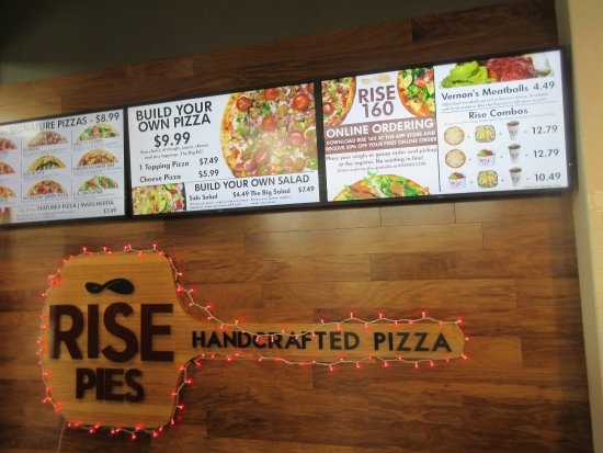 Chicago Premium Outlets: Pizza at Rise Pies