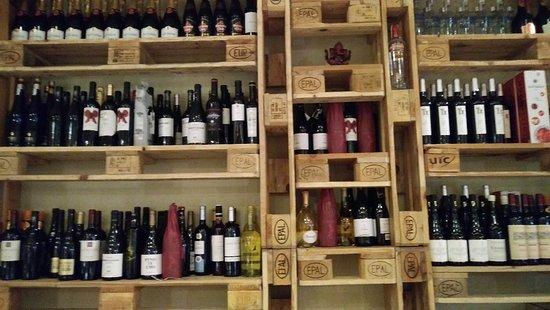 La Casita de Sabino: Buenos vinos