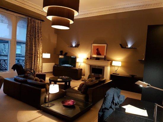 The Chester Residence: 20171120_160059_large.jpg