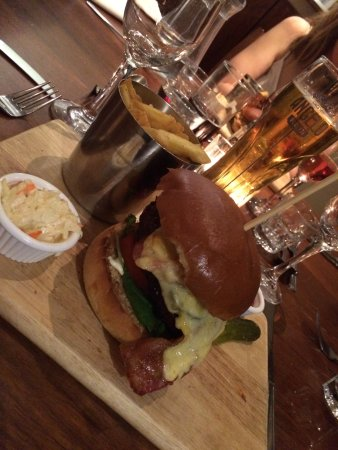 Bar Hill, UK: Burger