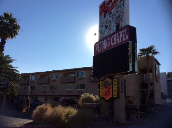 Super 8 Las Vegas North Strip /Fremont Street Area: Sign