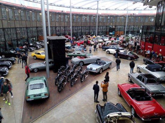 Classic Remise Dusseldorf: Вид на зал