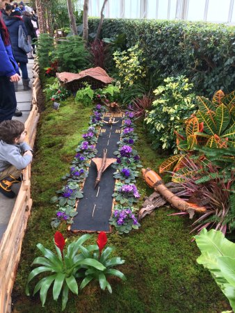 New York Botanical Garden: Kids Loving JFK Airport At The Train Show