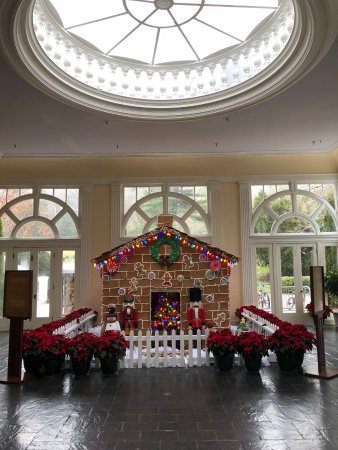 Hot Springs, VA: One of the main side rooms/parlors decorated for Christmas, a life size gingerbread house