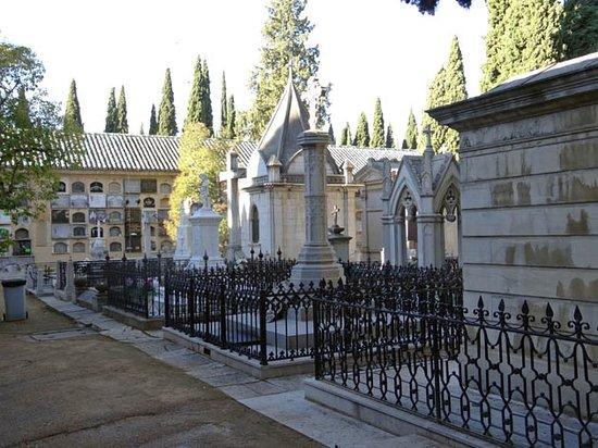 Granada Cemetery Walls Memorial