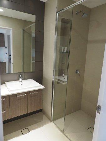 Quest Mounts Bay Road Bathroom Shower Only No Bathtub