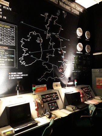 Hack Green Secret Nuclear Bunker: Alert room
