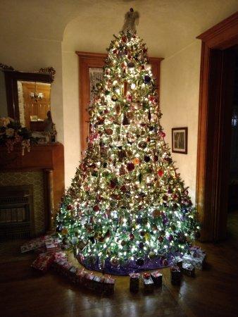 Clarion, PA: Beautiful Christmas tree