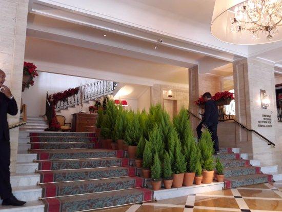 Belmond Copacabana Palace: Recepcion con pinos de navidad