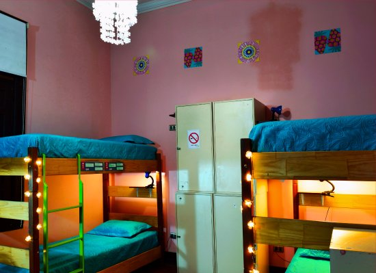 Santiago Backpackers Hostel: Our newly renovated female dorm