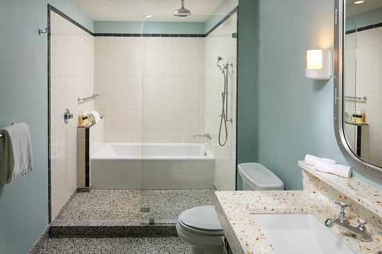 The Confidante Miami Beach: Double Vanity Bathroom