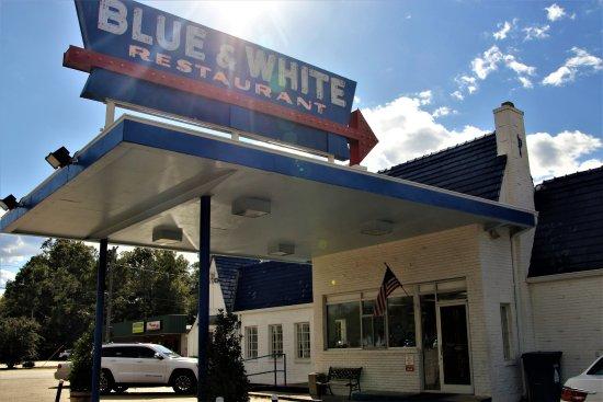 Blue & White Restaurant: Happy Days
