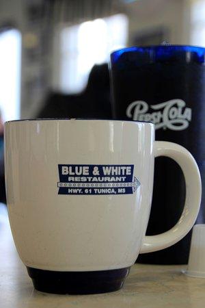 Blue & White Restaurant: Endless coffee