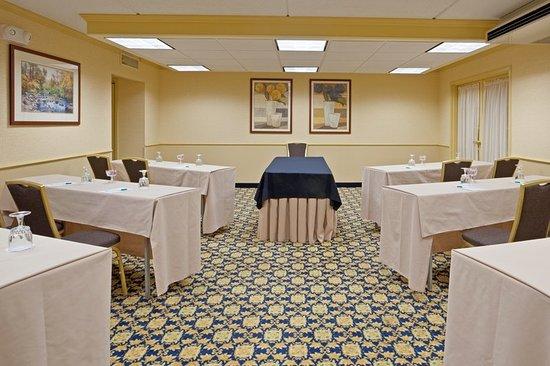 Mansfield, MA: Meeting room