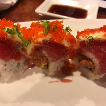 Jimmy's Sushi: Christmas roll