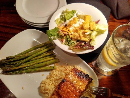 Des Plaines, IL: my order, longhorn salmon