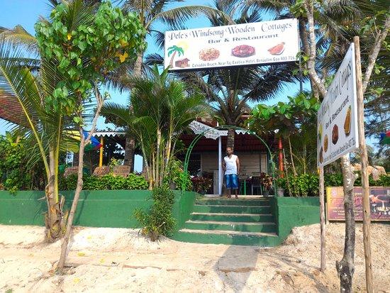 Benaulim Beach: Это и есть замечательный человек Виджу, приглашает и ждёт Вас