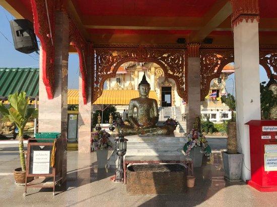 Temple at Wat Khao Noi