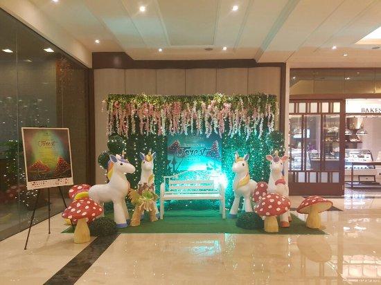 Edsa Shangri-La: 20171028_172011_large.jpg