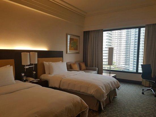Edsa Shangri-La: 20171028_160153_large.jpg