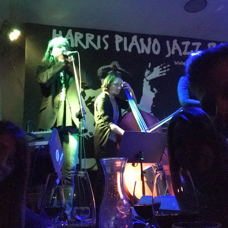Harris Piano Jazz Bar: photo1.jpg