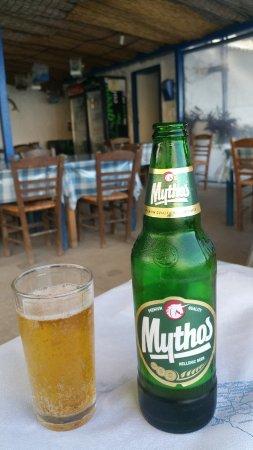 Zola, Yunani: mythos beer