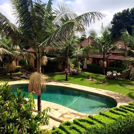 Ahadi Lodge: Little paradise in busy town !