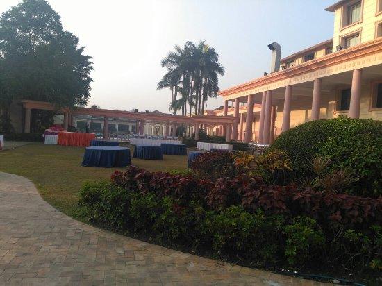 Fortune Park Panchwati Hotel: IMG_20171203_070359_large.jpg