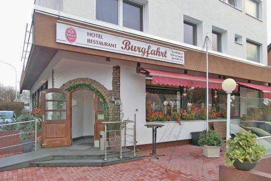 Frechen, Deutschland: Eingangsbereich, Totale (17.12.2017)