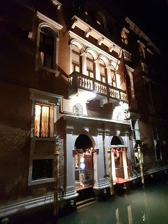 Ruzzini Palace Hotel: 20171217_200649_large.jpg