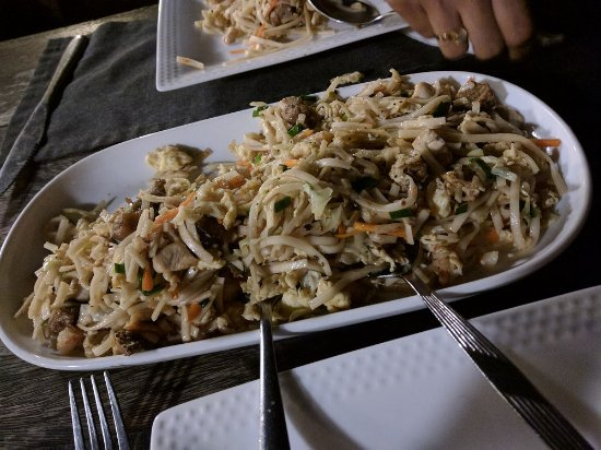 Slightly Chilled Lounge Bar (Bamboo Garden): Mixed Noodles - loaded with everything!