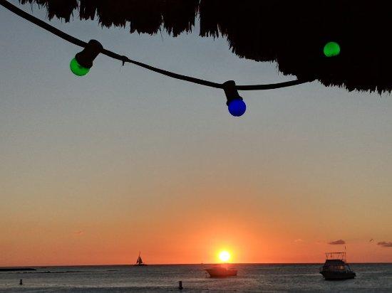 Bugaloe Beach Bar & Grill: MVIMG_20171213_181147_large.jpg