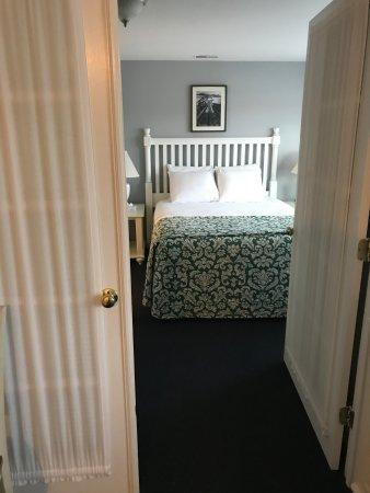 Martha's Vineyard Surfside Hotel: Comfortable & Private Room